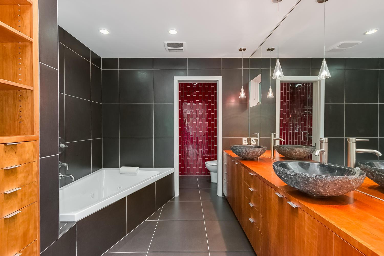 2525 France Ave S St Louis-large-013-14-Master Bathroom-1500x1000-72dpi.jpg
