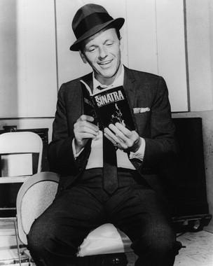 Frank-Sinatra-frank-sinatra-5581757-304-380.jpg