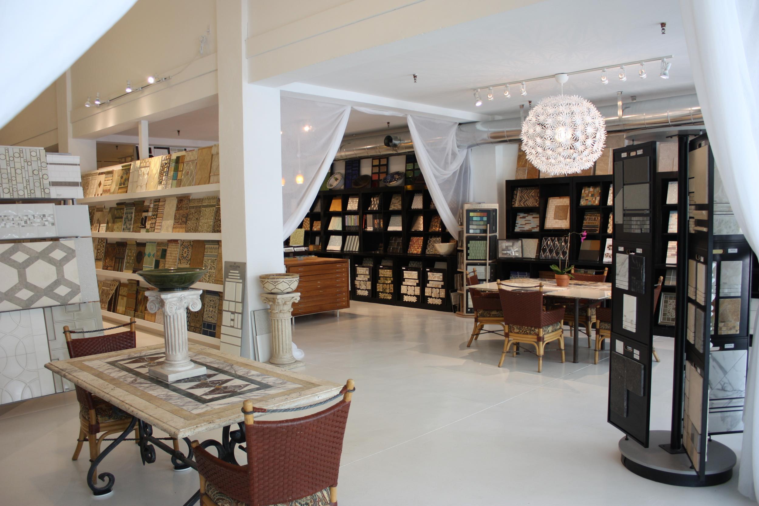 showroom_3.JPG