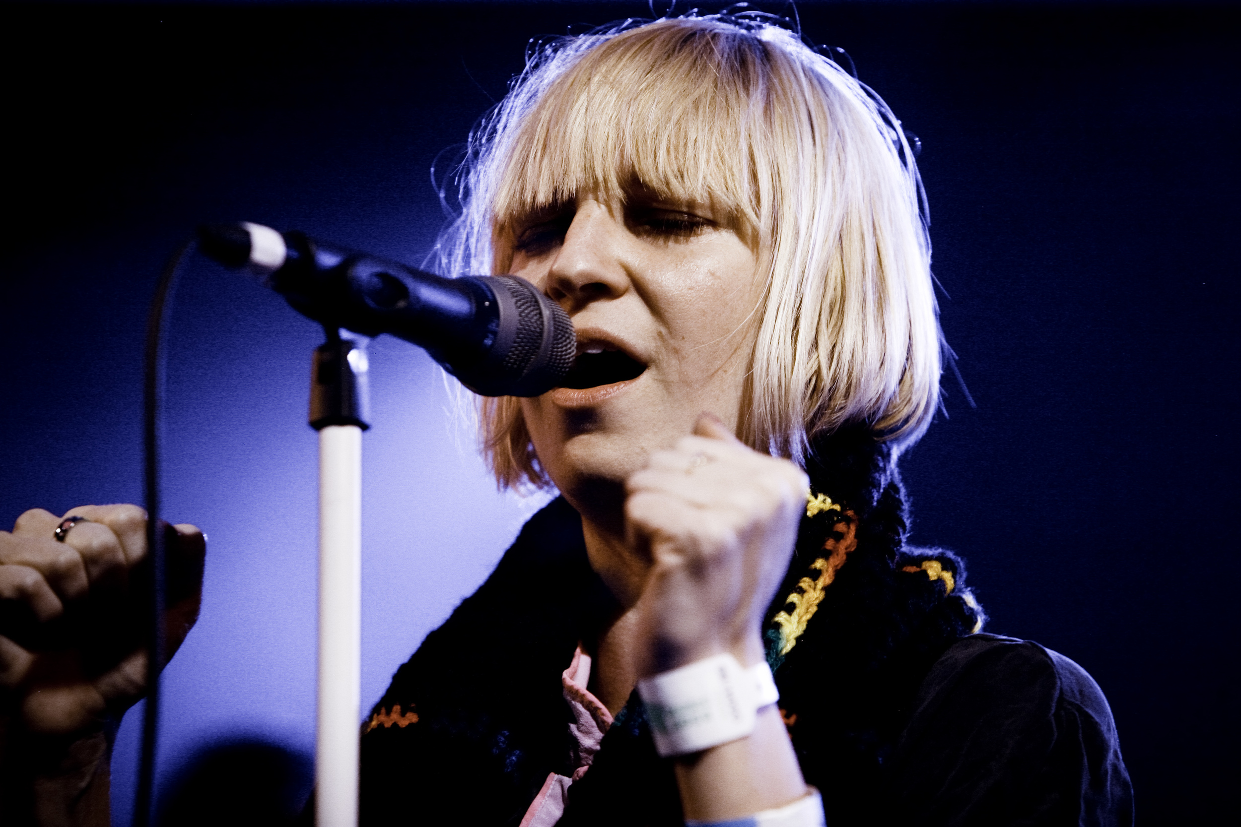 Sia performing live.