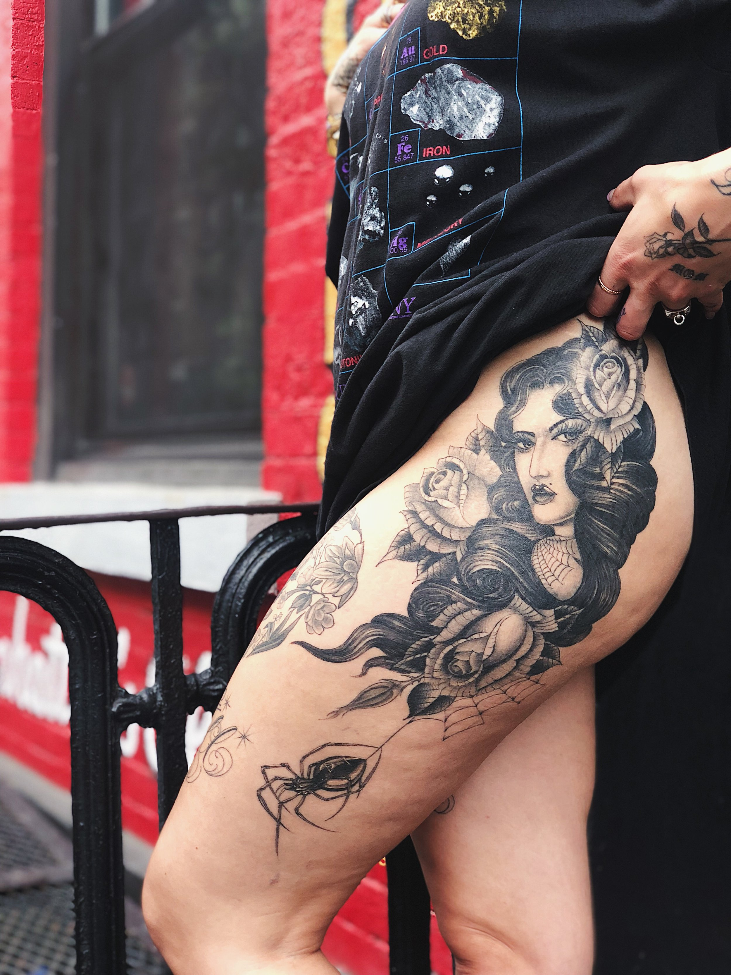 Big-Steve-thigh-tattoo12.JPG
