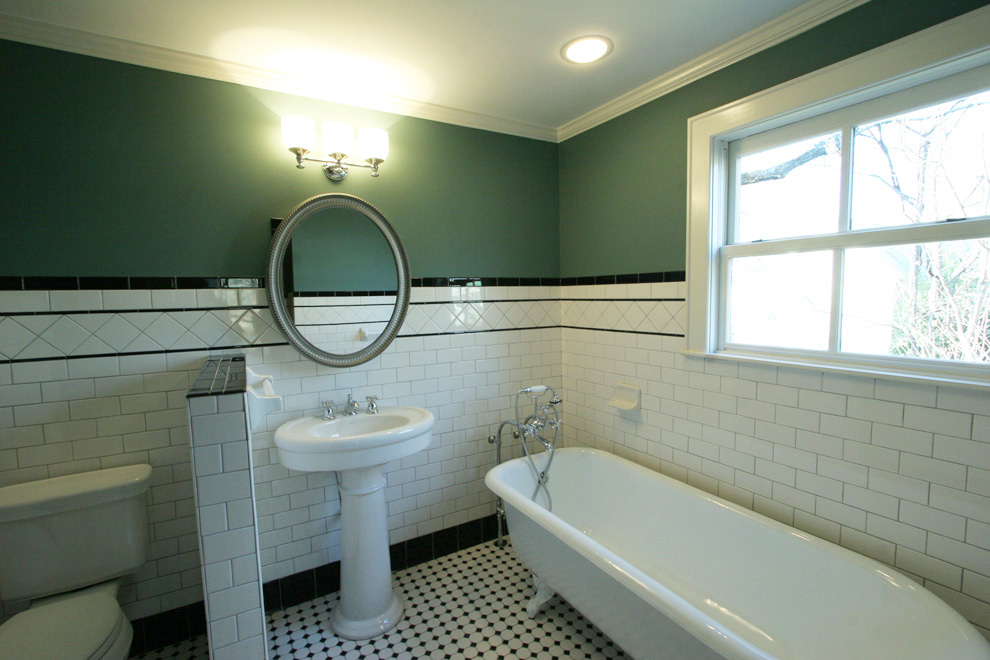 2nd bathroom pic 13.jpg