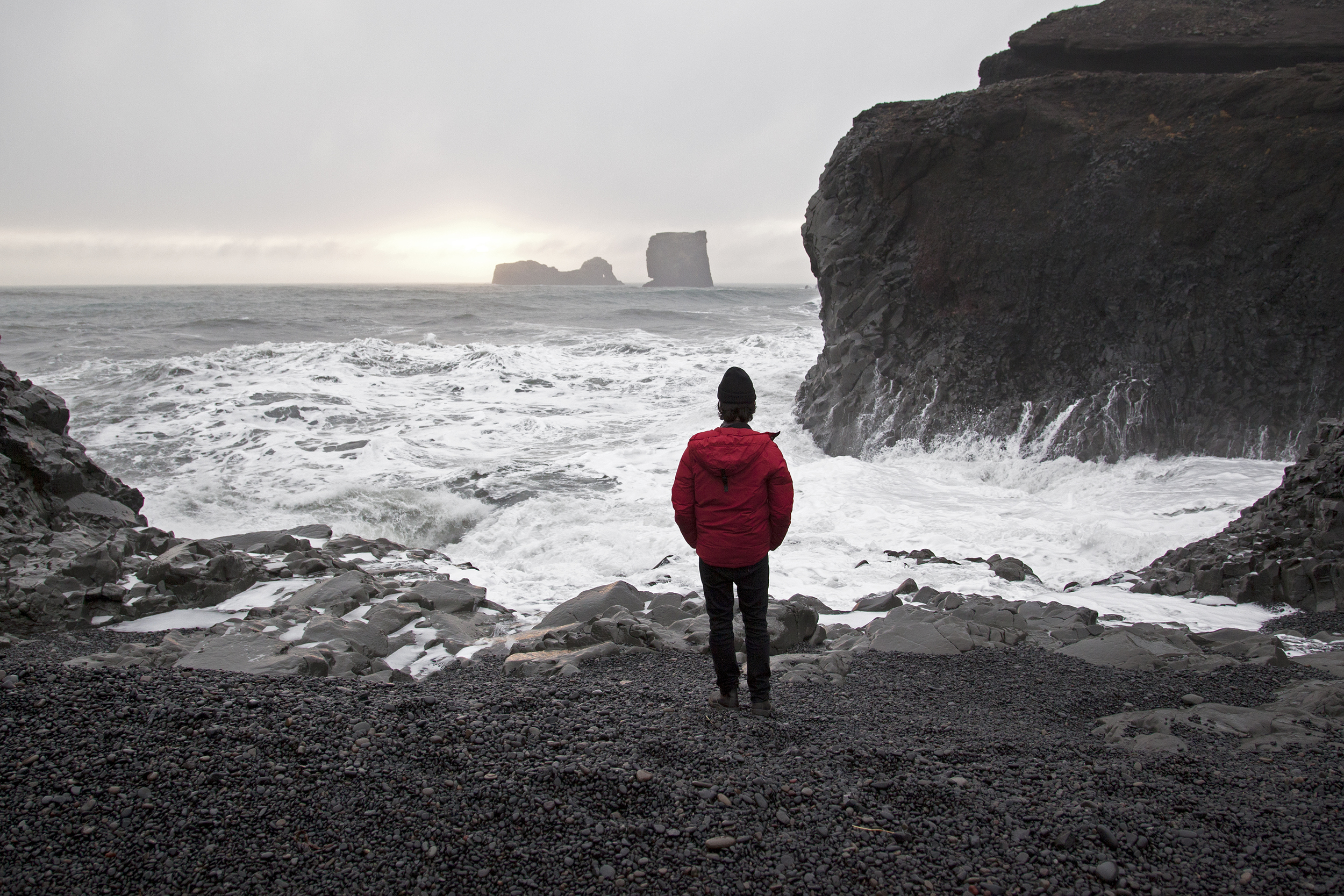 This shot was taken by another artist @juliepasila as the sun was setting around 3:30pm. Four other artists and I decided to take a road trip to the south of Iceland and we found this really unique spot where the water was crashing against the rocks. Most of those rocks I'm standing on are amazing skipping stones.