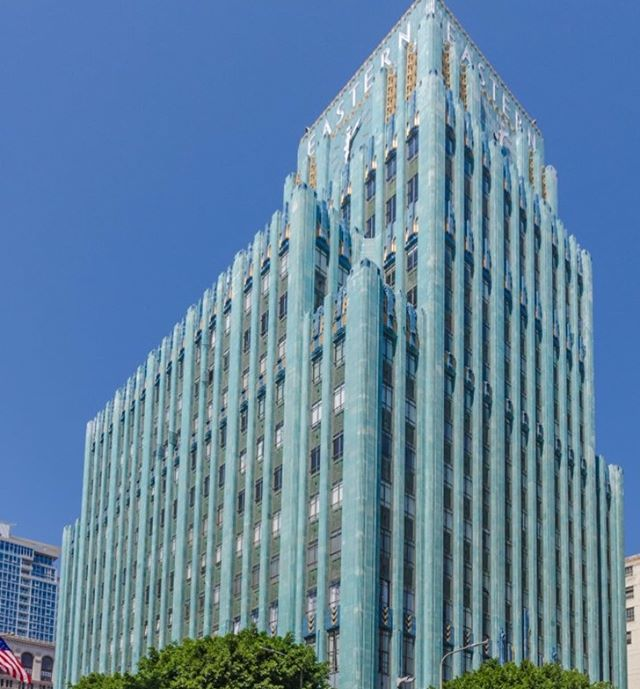 Just Leased | 📍849 S Broadway #806 | LP $3,600/mo . . . Great opportunity to live in one of Downtown LA's most iconic buildings, the Eastern Columbia, in this light filled fully furnished loft. Upon entering the lobby, one is immediately transported into a cool mix of the building's historic 1930 Art Deco roots and noteworthy designer Kelly Wearstler's whimsical modern furnishings. The loft itself features high beamed ceilings, wood flooring, an updated kitchen, and a plethora of windows with views of the neighboring Ace Hotel. There are sliding doors in the bedroom area and an additional murphy bed. The updated bathroom features beautiful Ann Sacks tile and a large shower/tub combination. Unit comes with one parking space in the building. Amenities in the building include the front desk concierge, on-site management, a gym, and the BEST rooftop pool in all of downtown w/ explosive city views.