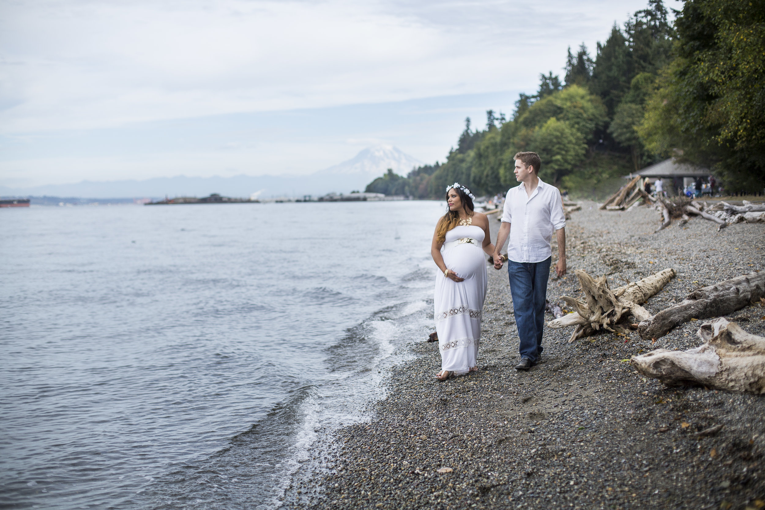 Seattle-Tacoma-Wedding-Engagement-Photographer-Jaeda-Reed-Point-Defiance-Park-07.jpg