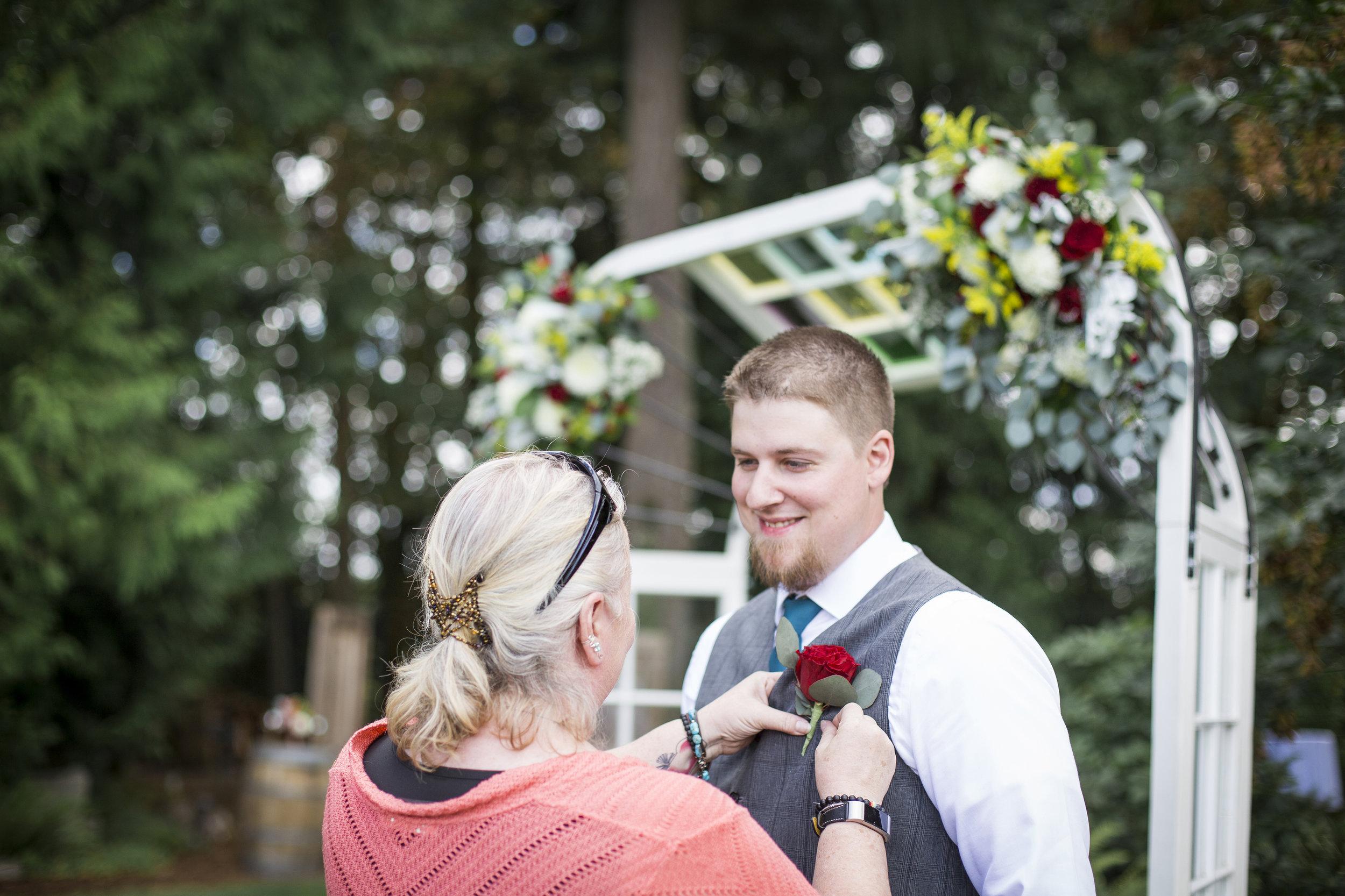 Seattle-Tacoma-Wedding-Photographer-Jaeda-Reed-Fall-Glenwood-Tree-Farm-03.jpg