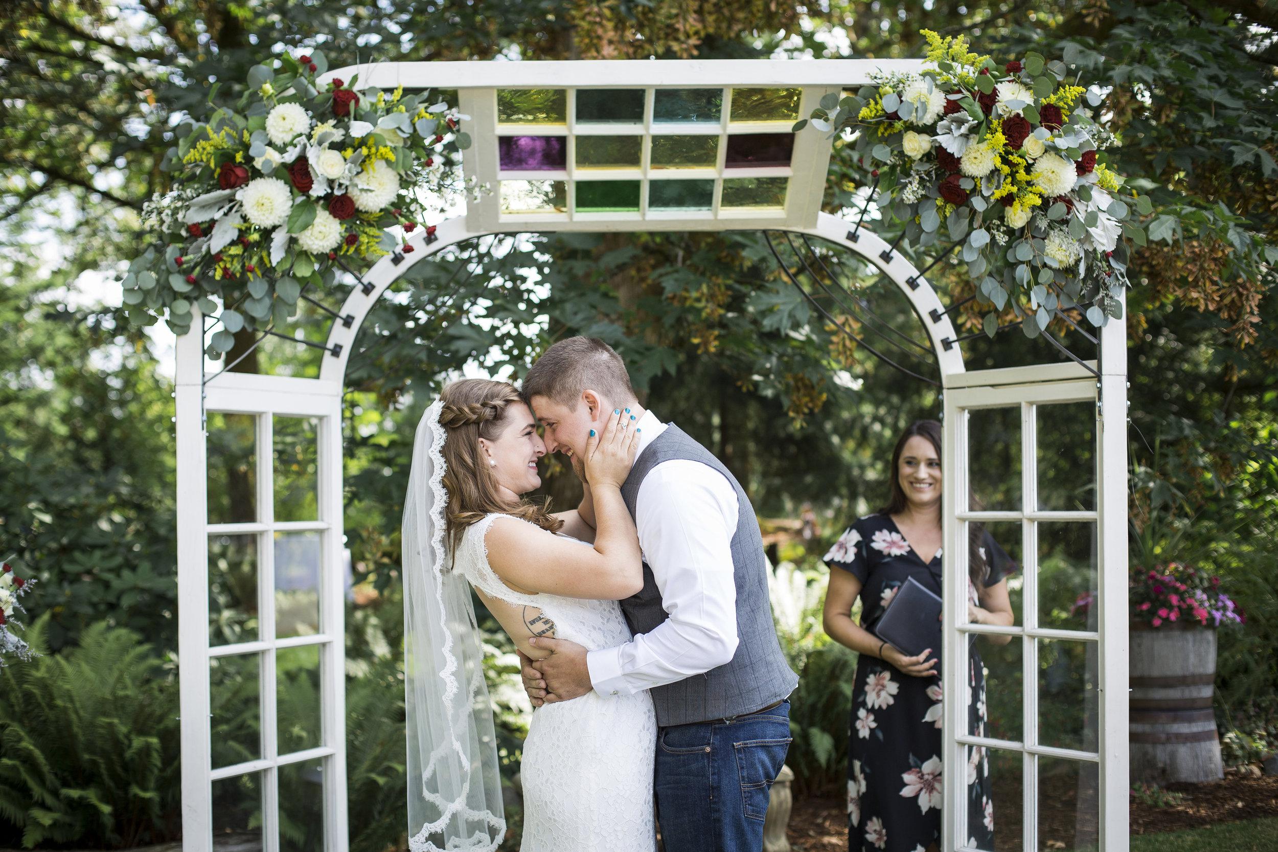 Seattle-Tacoma-Wedding-Photographer-Jaeda-Reed-Fall-Glenwood-Tree-Farm-06.jpg