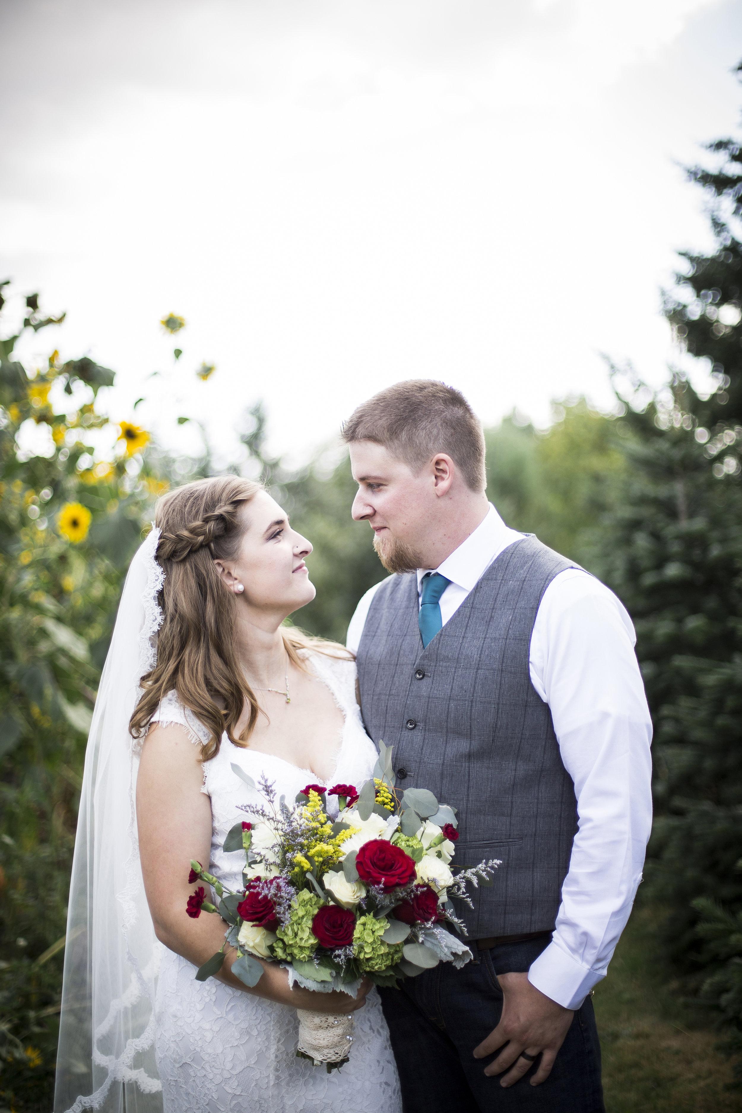 Seattle-Tacoma-Wedding-Photographer-Jaeda-Reed-Fall-Glenwood-Tree-Farm-11.jpg