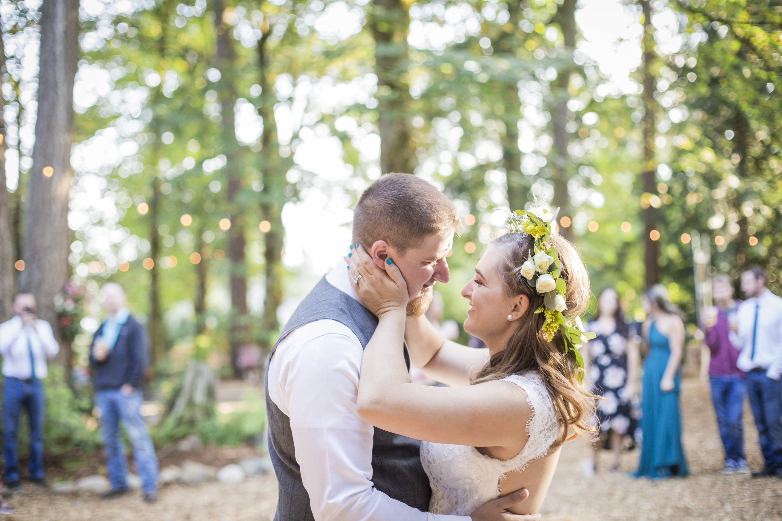 Seattle-Tacoma-Wedding-Photographer-Jaeda-Reed-Fall-Glenwood-Tree-Farm-15.jpg
