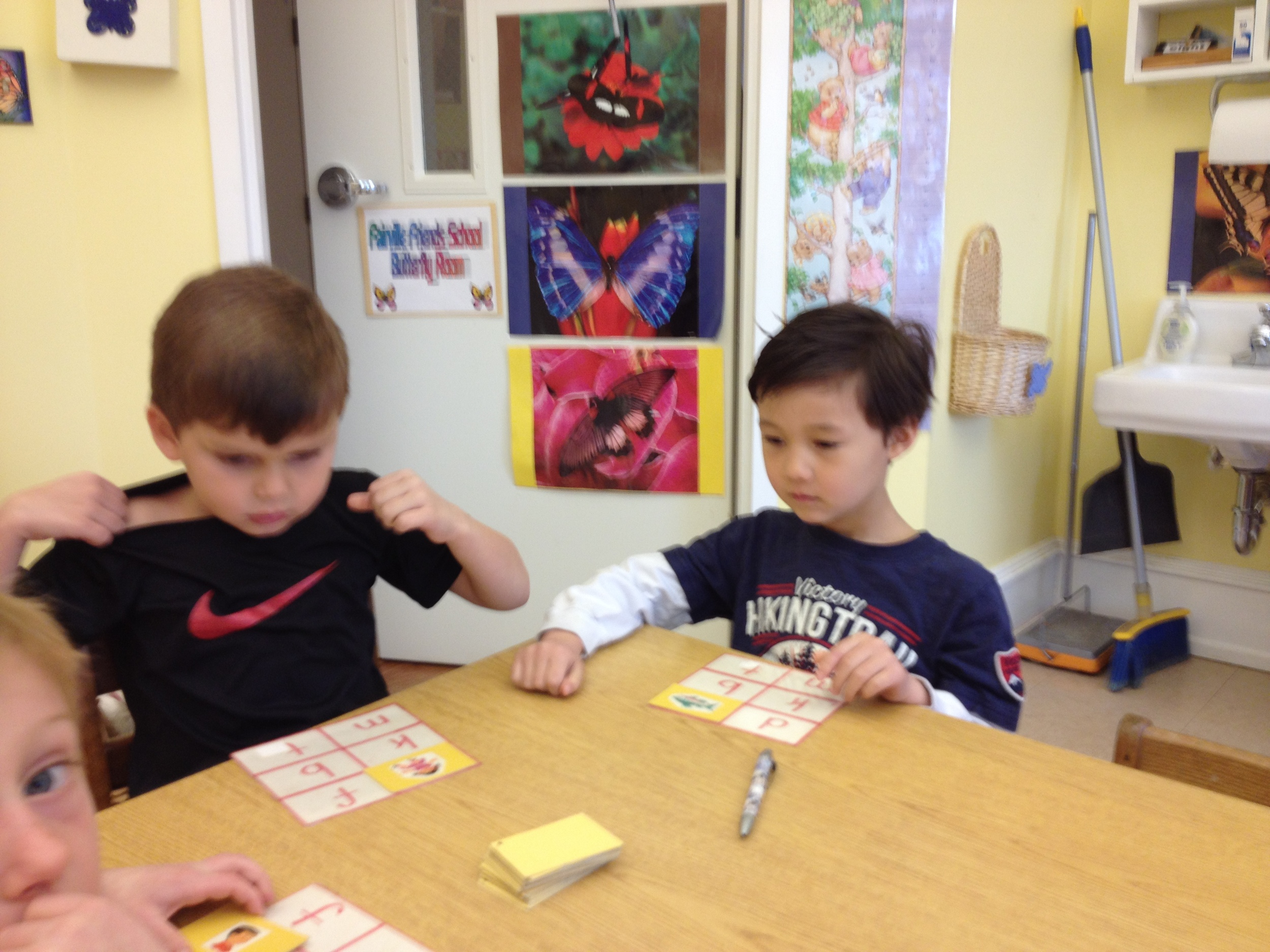 playing beginning sounds lotto