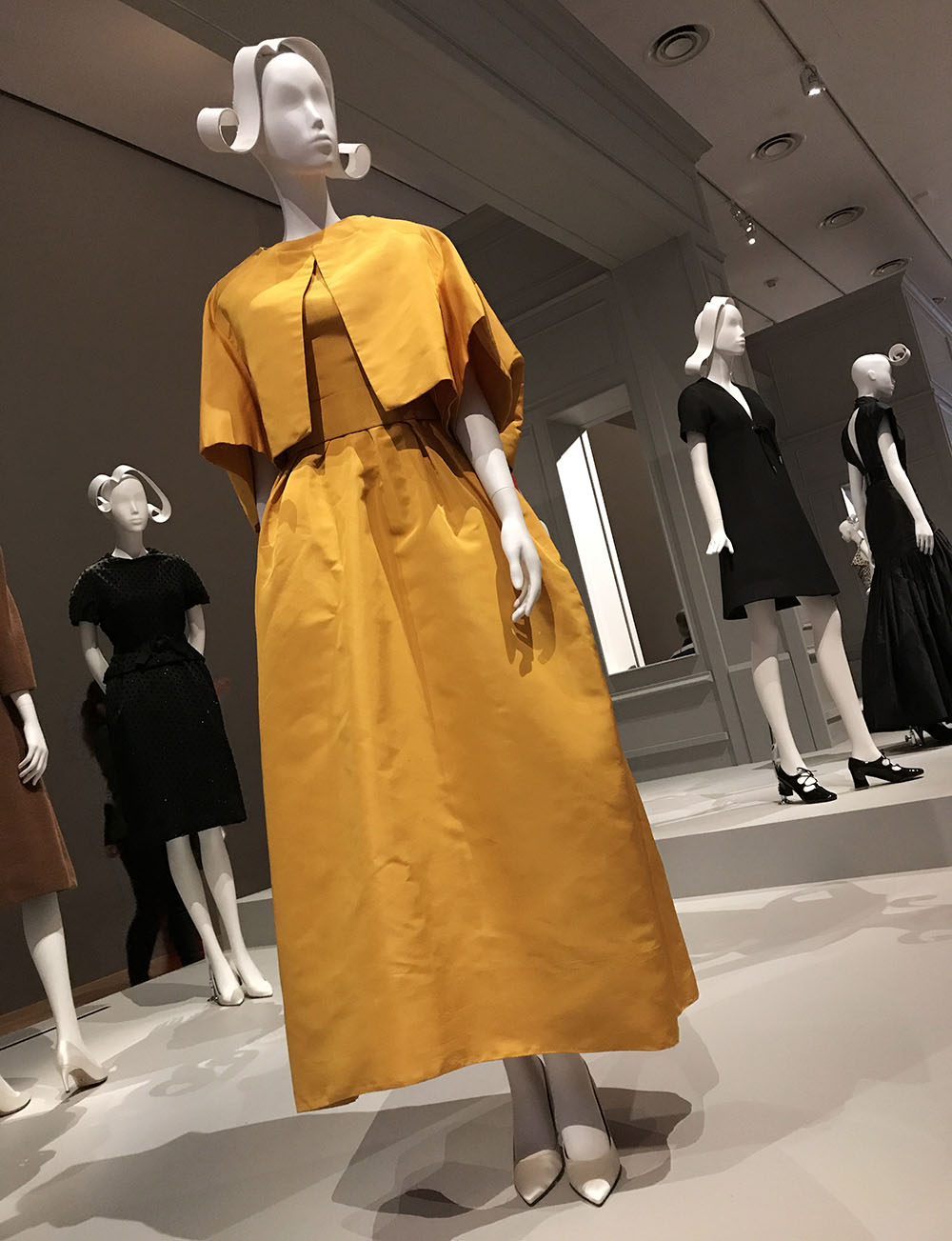 Marc Bohan designs  - Dior head designer 1960-1989