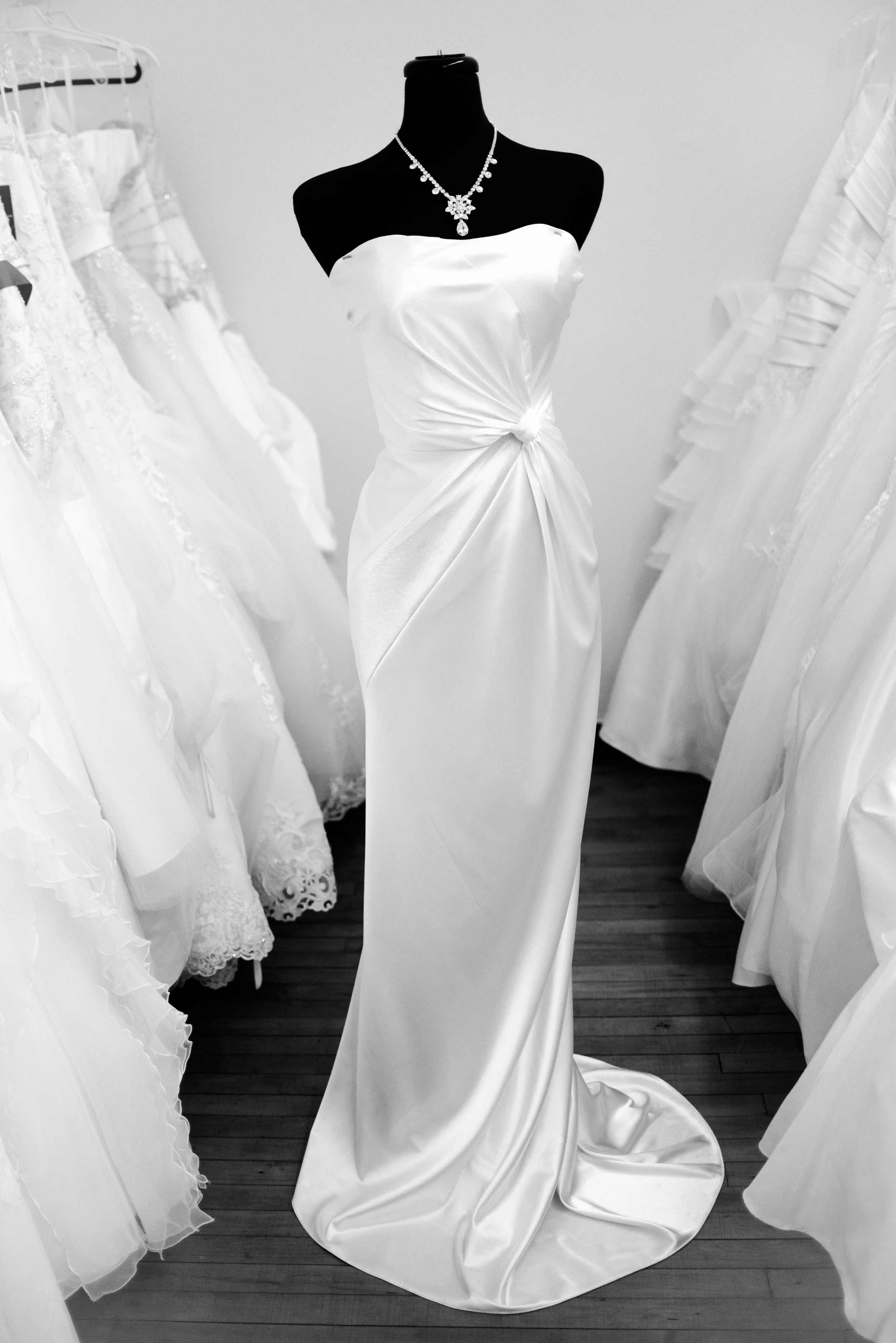 Custom designed gown by Dawn, fits like a glove in Old Hollywood style
