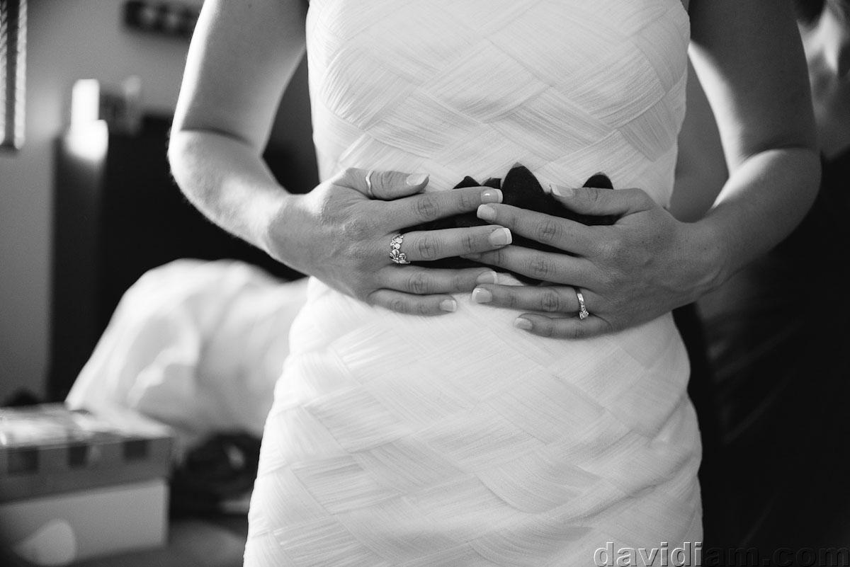 Pioneer-Villiage-London-Wedding-Photographer-016.jpg