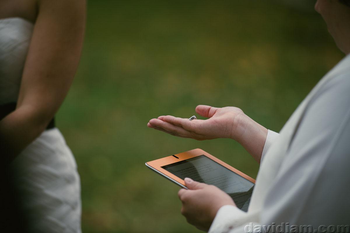 Pioneer-Villiage-London-Wedding-Photographer-036.jpg