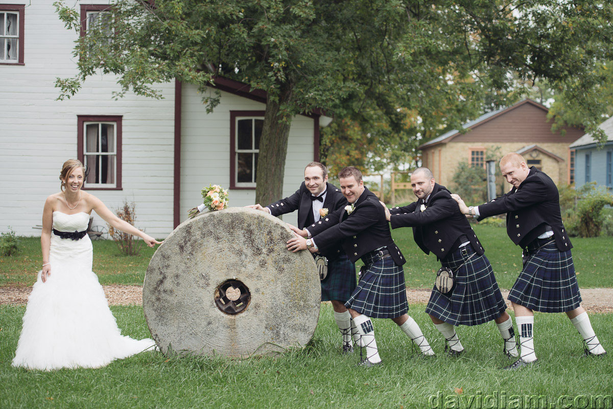 Pioneer-Villiage-London-Wedding-Photographer-052.jpg