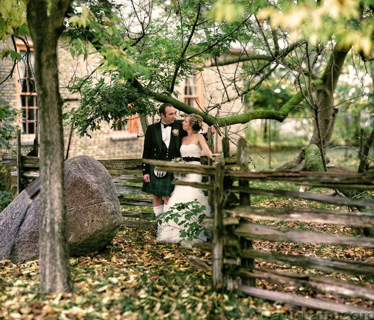 Pioneer-Villiage-London-Wedding-Photographer-060.jpg