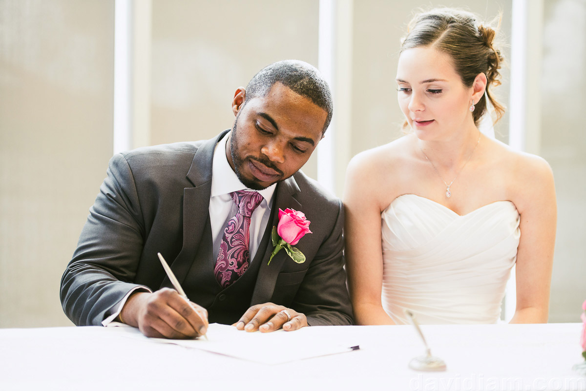 Burlington-Wedding-Photographer-Carmens-Hamilton-Photography-027.jpg