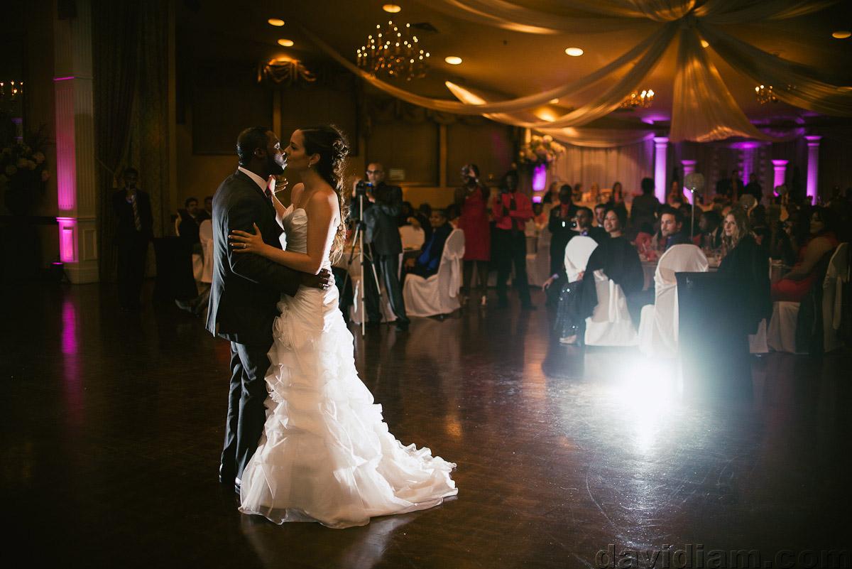Burlington-Wedding-Photographer-Carmens-Hamilton-Photography-054.jpg