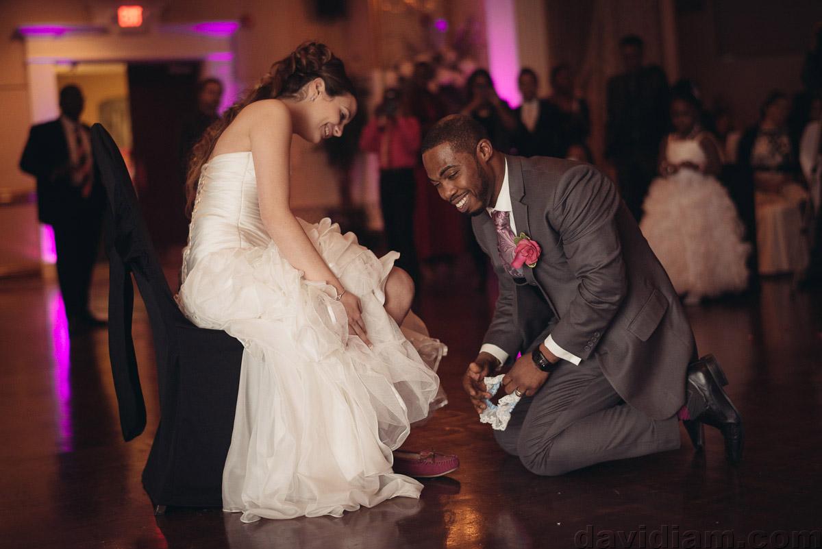 Burlington-Wedding-Photographer-Carmens-Hamilton-Photography-060.jpg