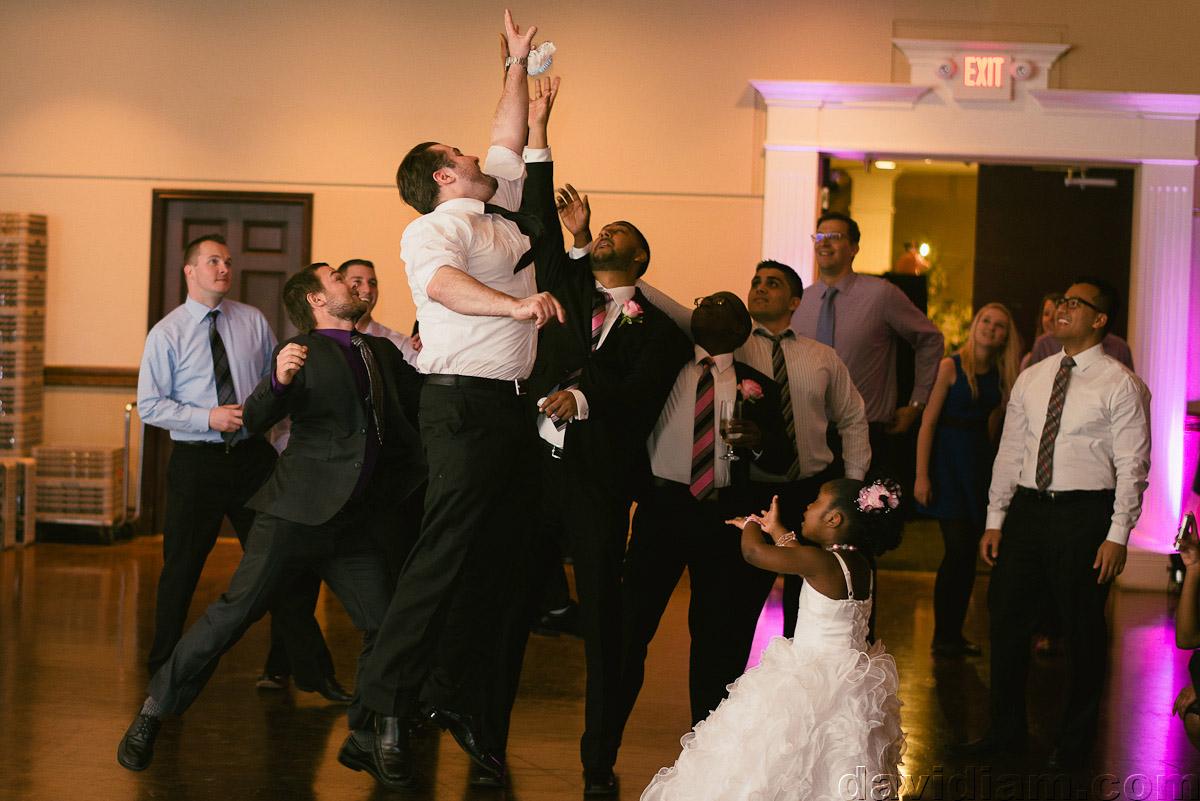 Burlington-Wedding-Photographer-Carmens-Hamilton-Photography-061.jpg