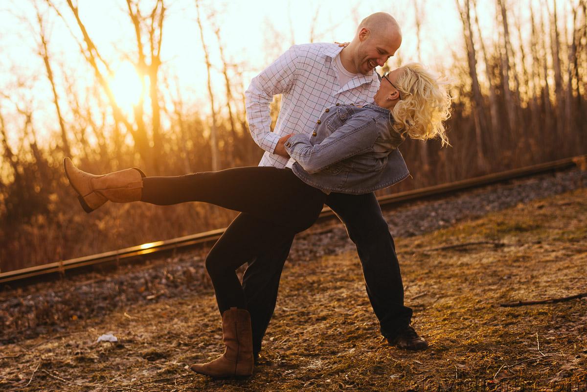 Waterloo-Wedding-Photographer-Engagement-davidiam-009.jpg