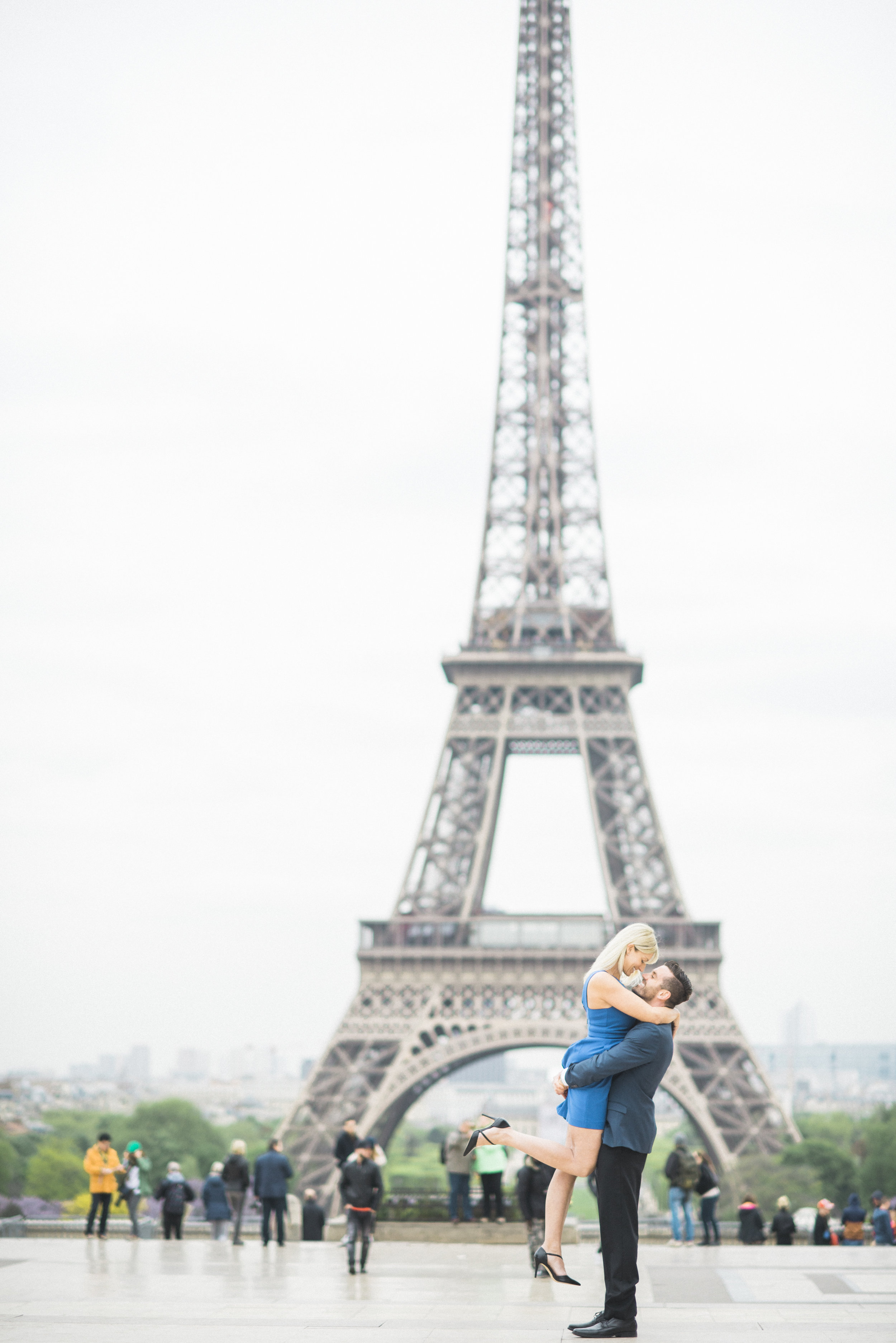 They do destination weddings too. Paris? Yes Please.