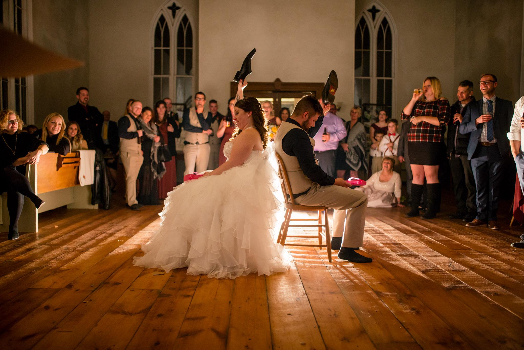Cranberry-creek-wedding-shoe-game-001.jpg