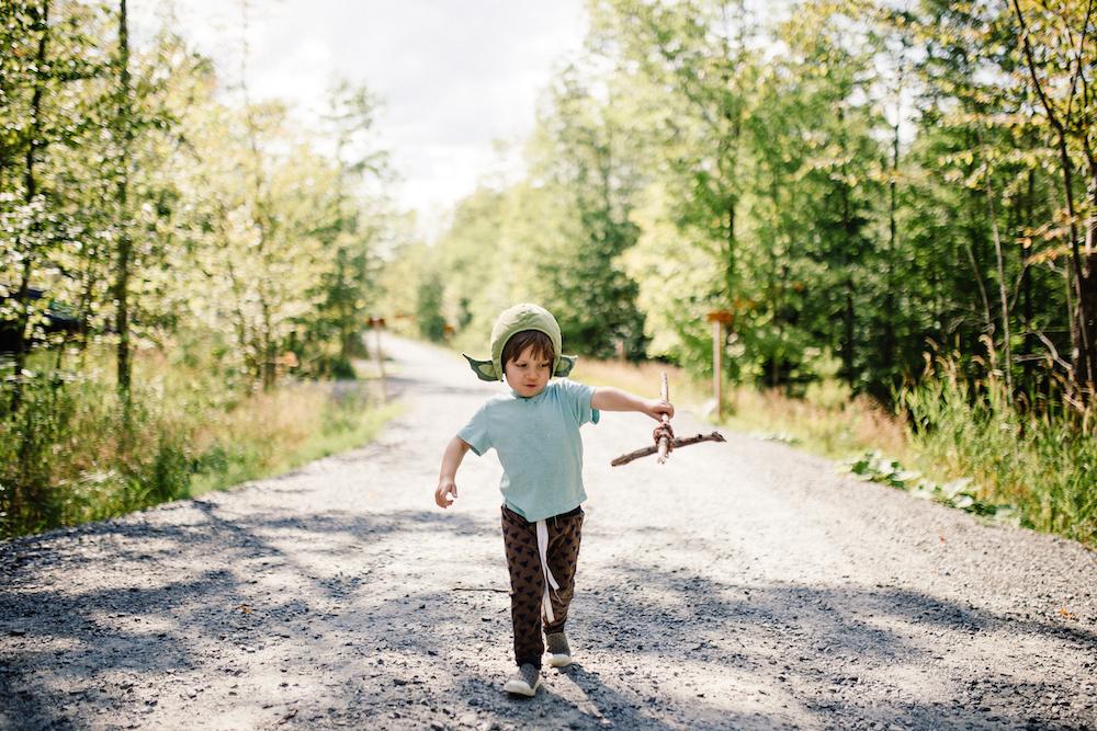SIMPLIFIER POUR MIEUX JOUER - Un programme transformateur pour reprendre le contrôle des jouets une fois pour toute et guider notre enfant pour qu'ENFIN IL JOUE SEUL!