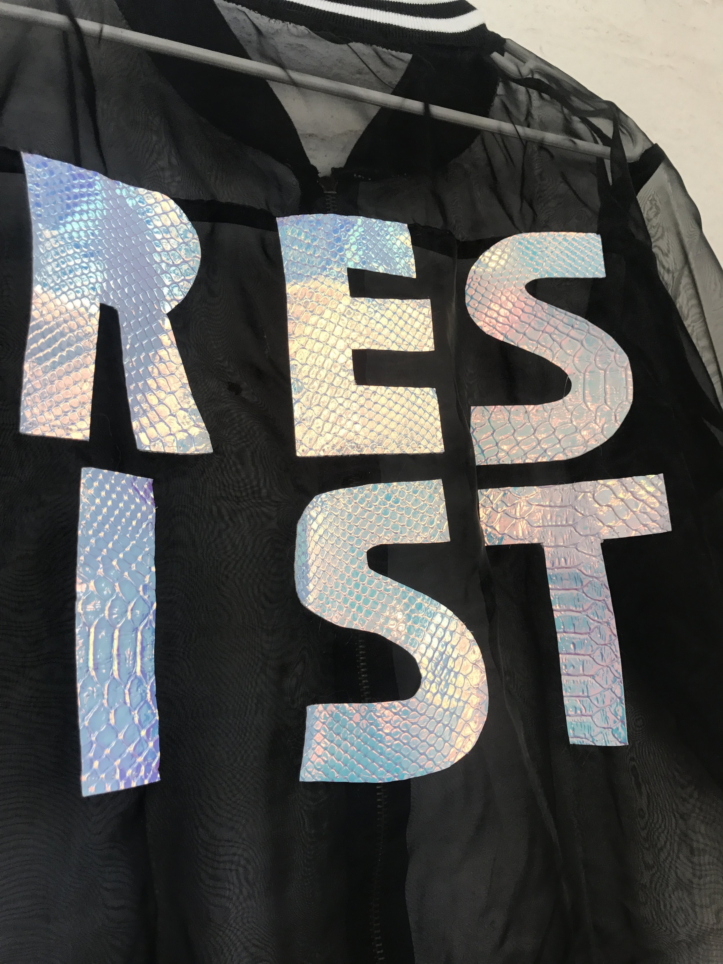 resistcloseup.jpg