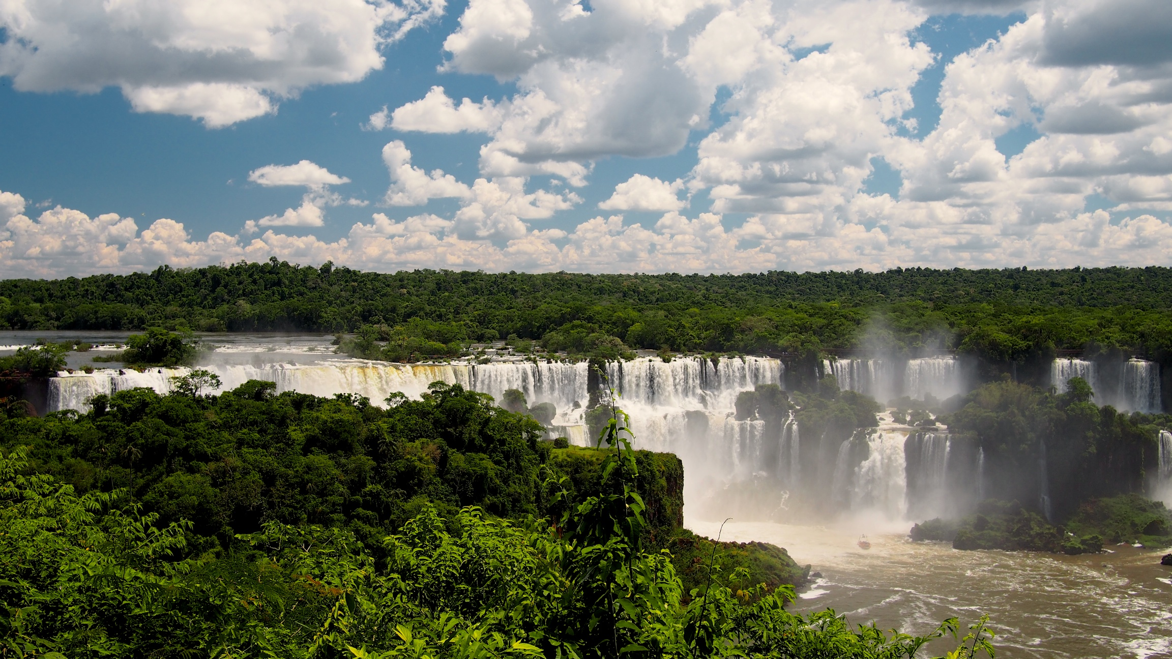 Looking out towards the Argentinian side of the falls from Brazil