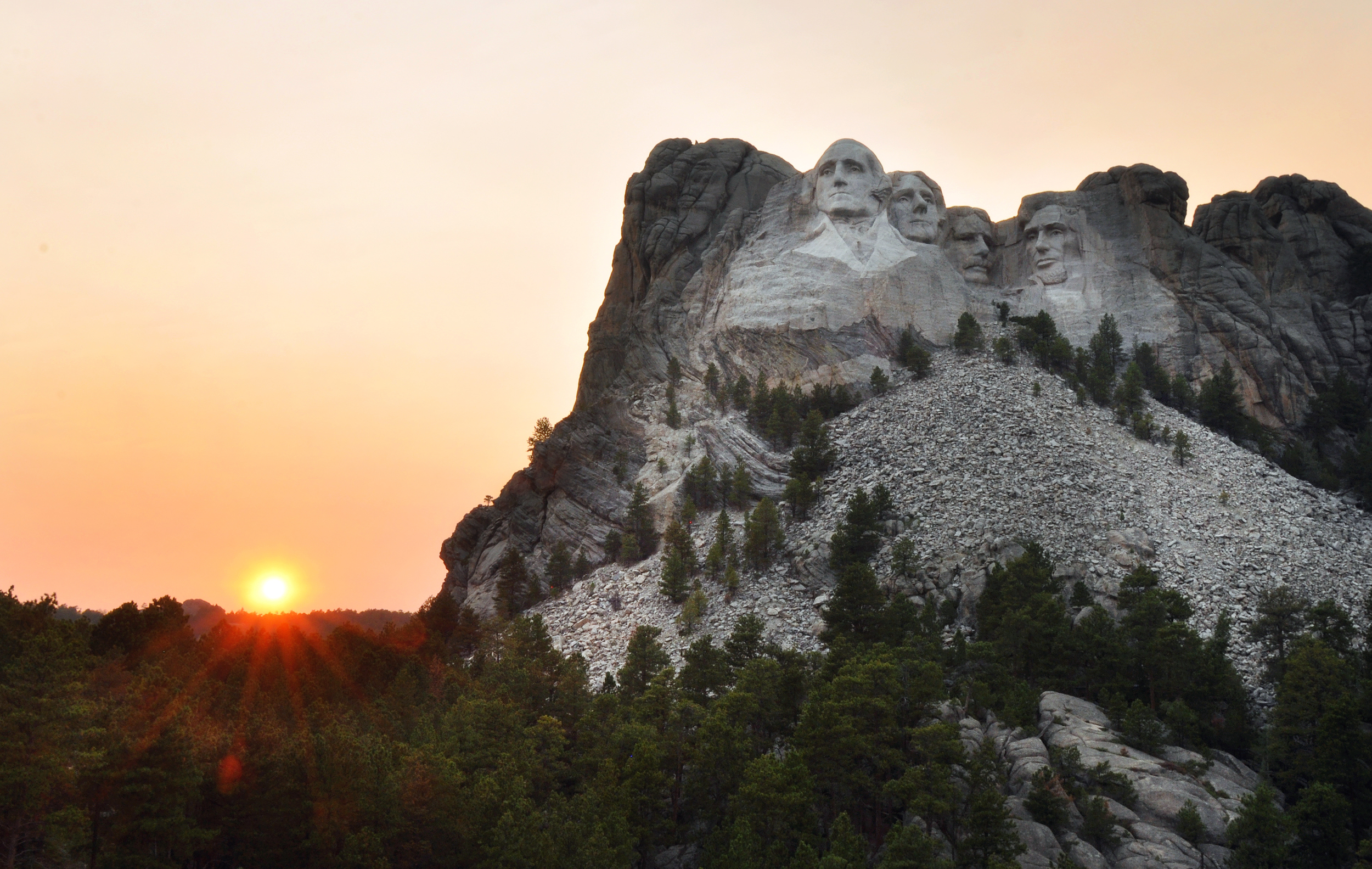 We stopped at Mt. Rushmore on the way. IT'S HUGE!