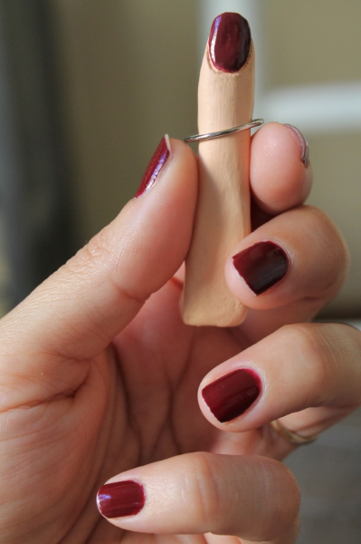 DIY Clay Ring Holders | by Maritza Garcia.