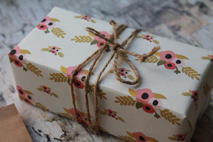 Cute Flower Badge Gift Wrap Sheet DIY