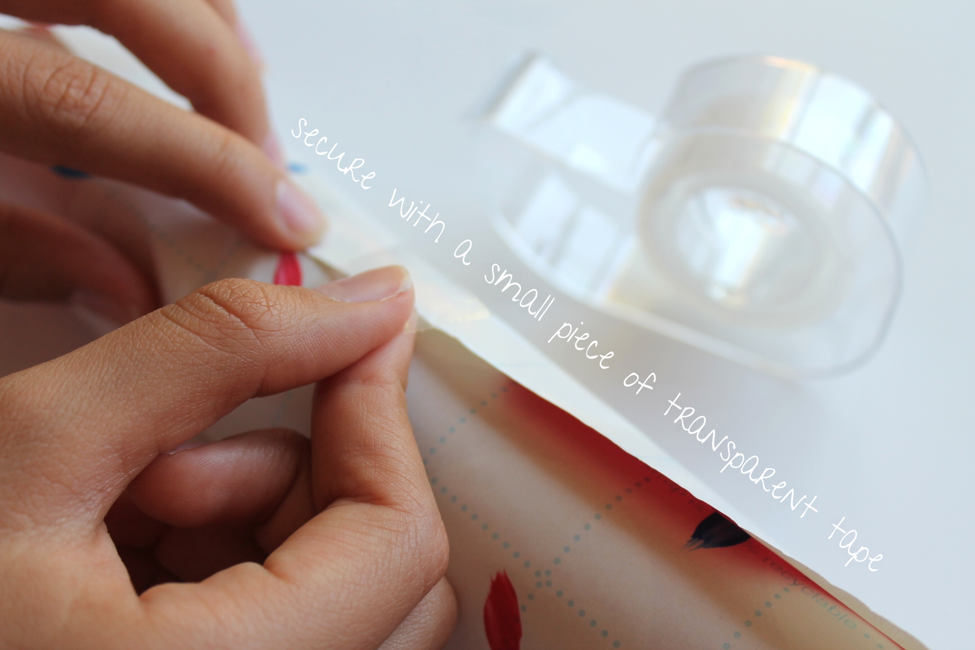4th of July DIY Confetti Poppers | by Maritza Garcia.
