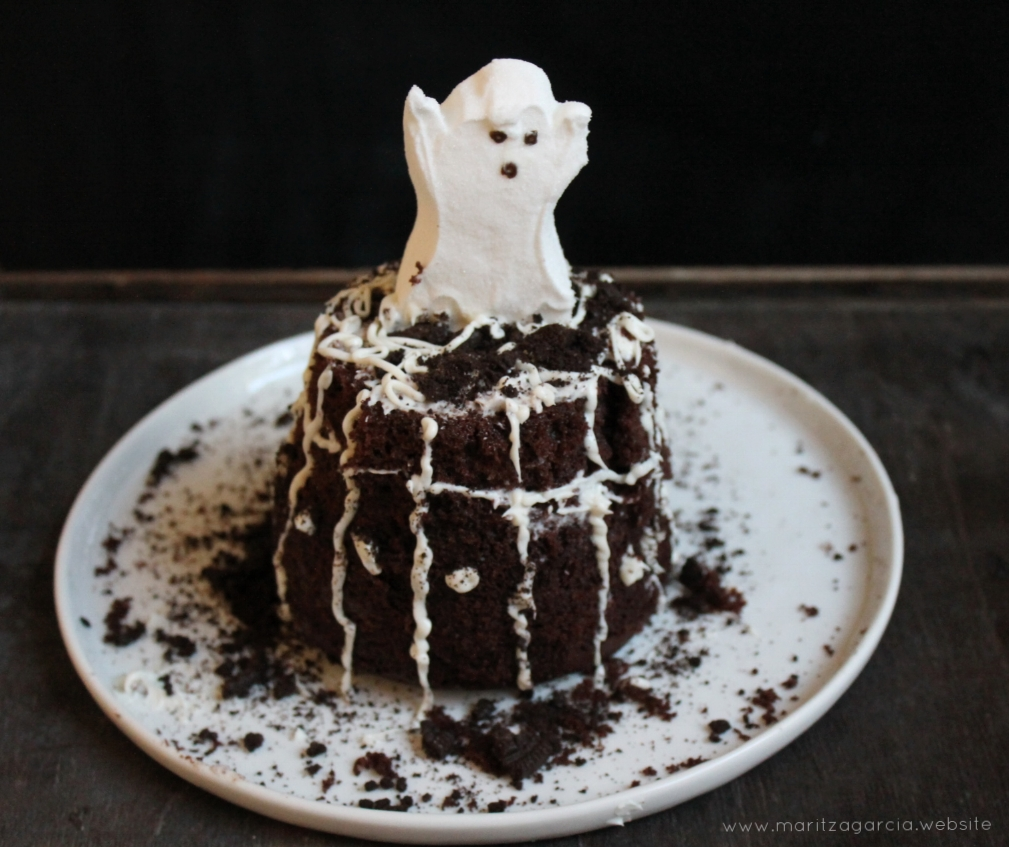 Homemade Graveyard Cake | www.maritzagarcia.website