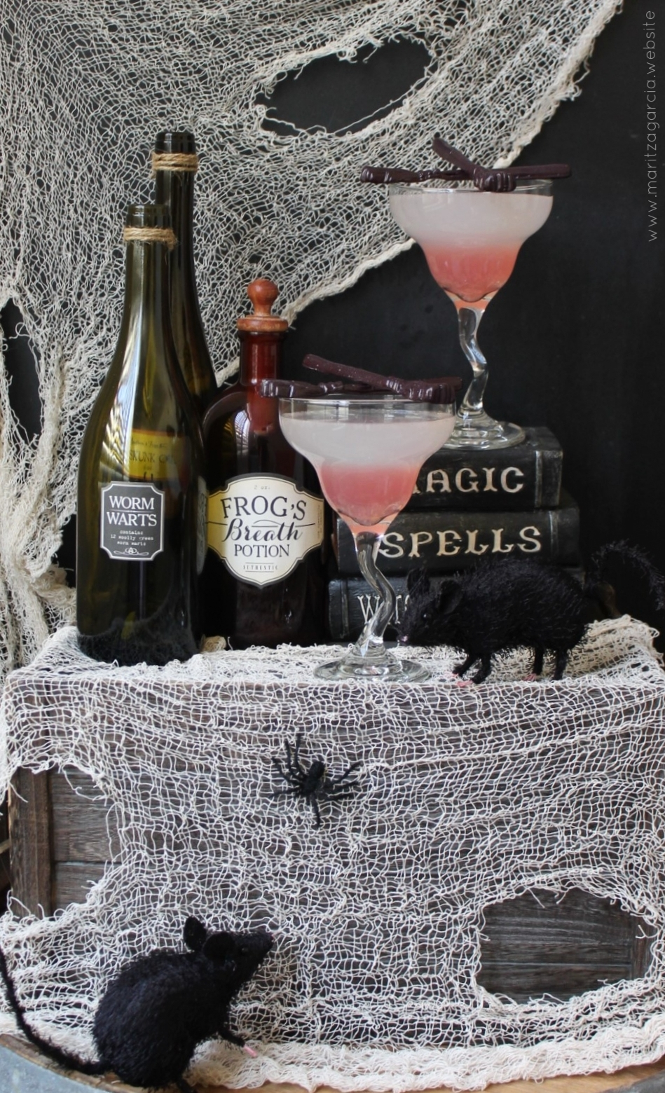 Witches Brew Cocktails with Vanilla Candy Brooms | www.maritzagarcia.website
