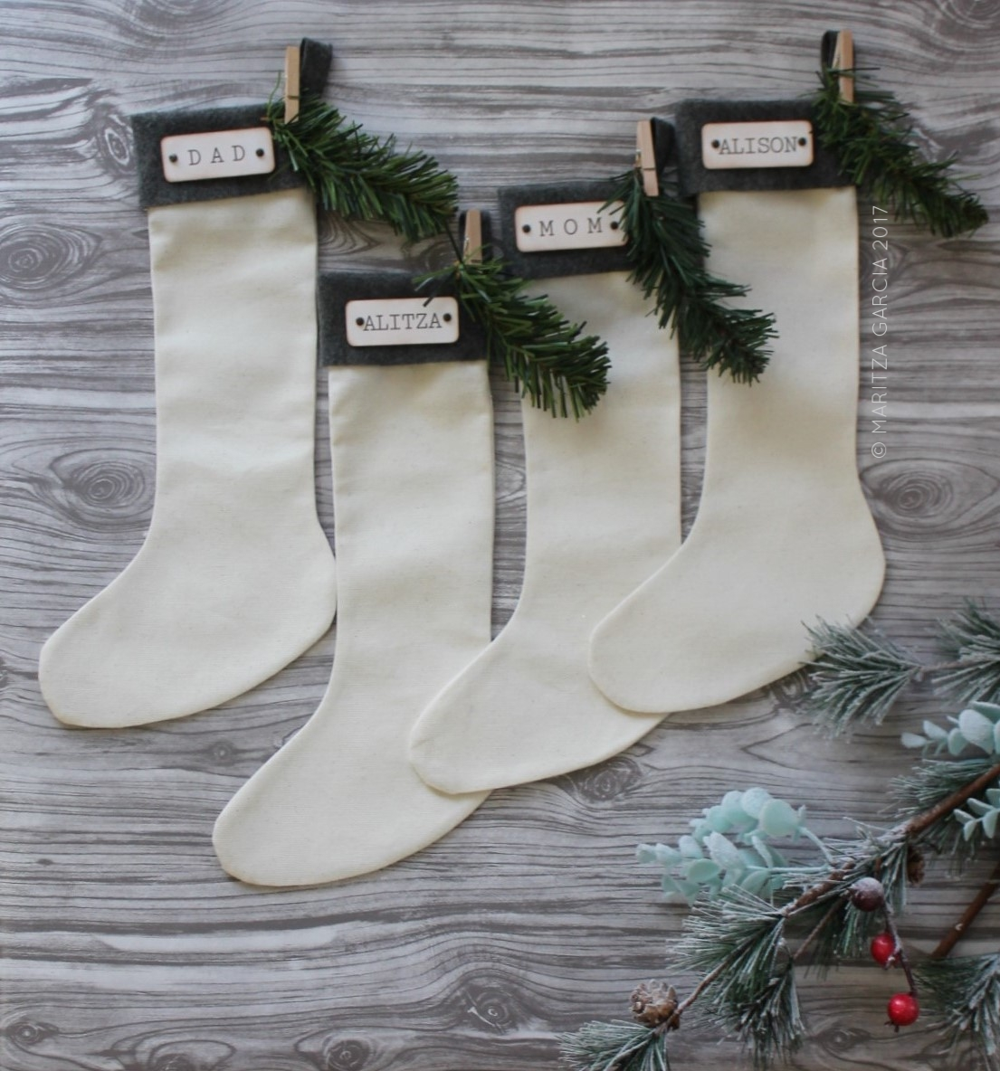 (Handmade Stockings) Mini Winter Wonderland | www.maritzagarcia.website