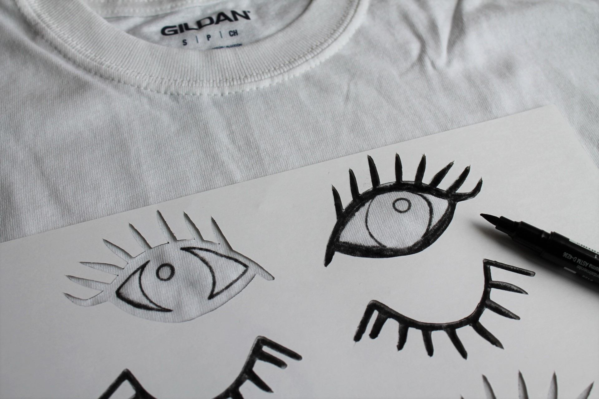 Eye-motions DIY T-Shirt | www.maritzagarcia.website
