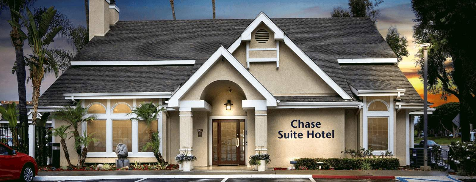 chase-suite-hotel-brea-home1-top.jpg