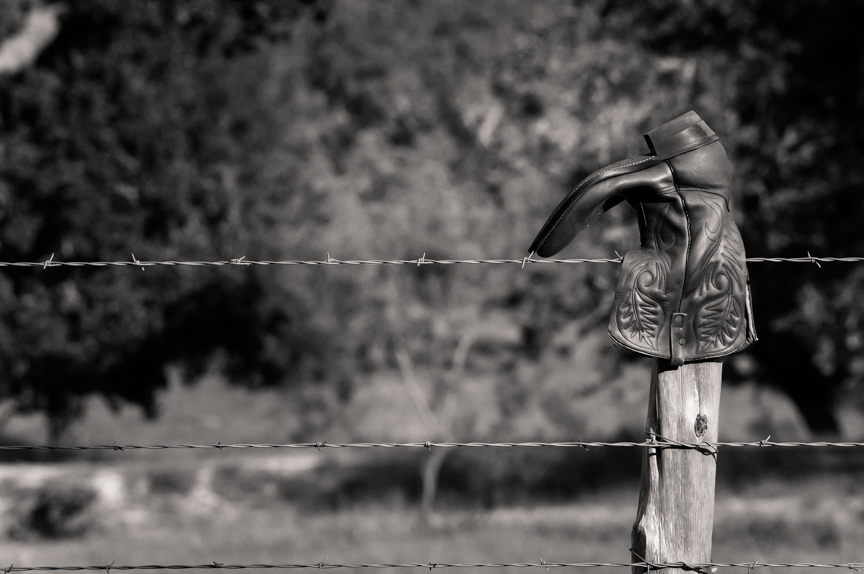 20131026_fence_boot.jpg
