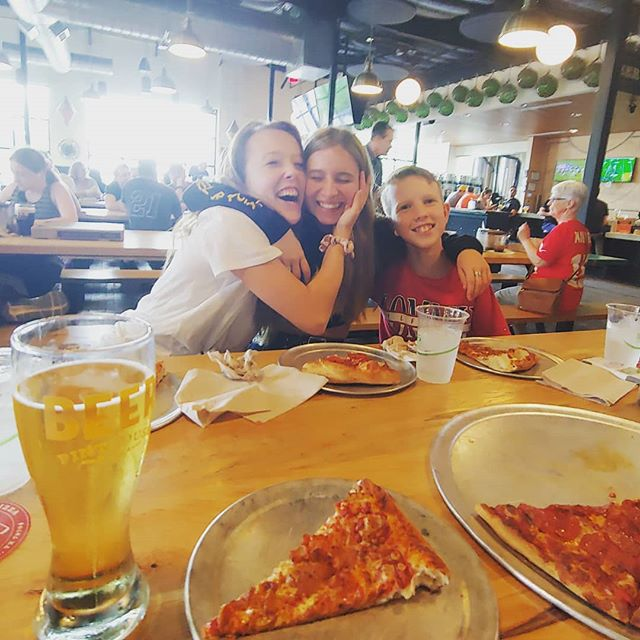 Lunch with some of my favorite peeps! #wraystagram #hangingwithkids #lotsoflaughs