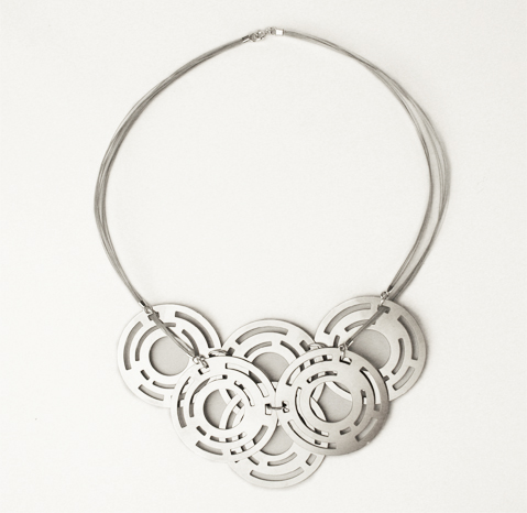 Necklace Elish Warlop2.jpg