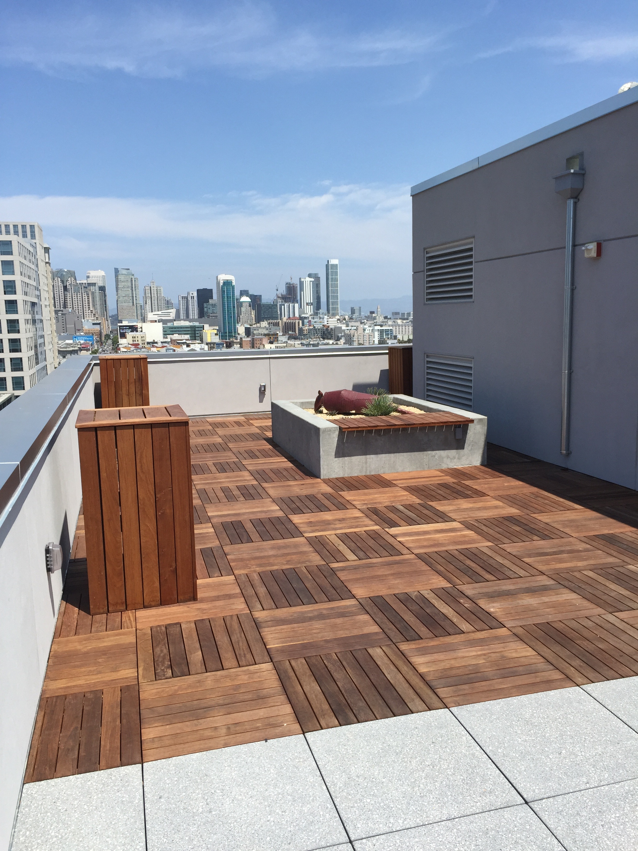 Panoramic Roof Deck Furniture_3_Patrick Kennedy.jpg
