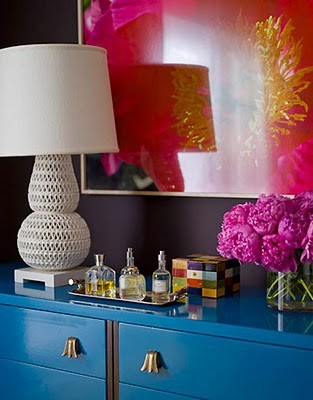 3+decor+color+blue+dresser+white+lamp+pink+art+via+Parlour+Home+blog.jpg