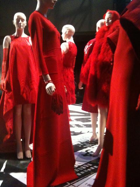 Runway+2+Ralph+Rucci+red+dresses+PIFA+2011.JPG