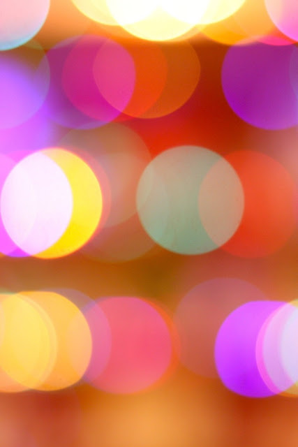 1+colored+lights+via+iPhone+Backgrounds+App.JPG