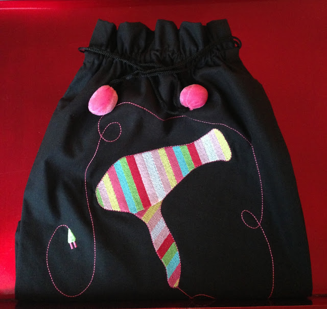 5a+GTBY+hair+dryer+bag+IMG_3391+red+tray.JPG