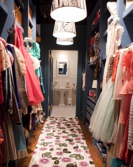 DRESS+Carrie%2527s+closet+SATC+via+apartment+therapy.jpg