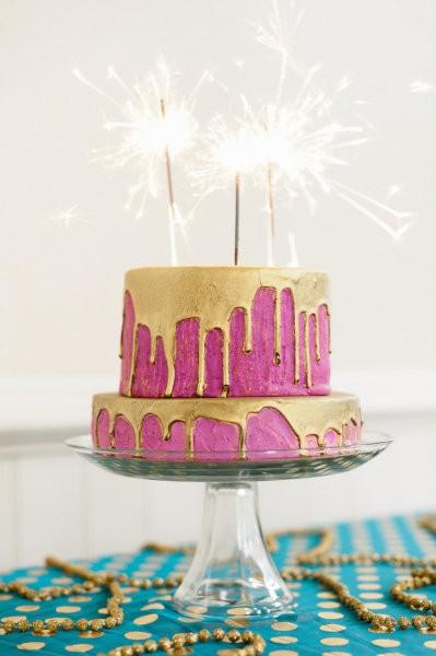 1+CAKE+Christine+Marvin+MarketOfChoice+photo+Erich+McVey+for+Style+Me+Pretty+via+Lina+Widiasana+pinterest.jpg