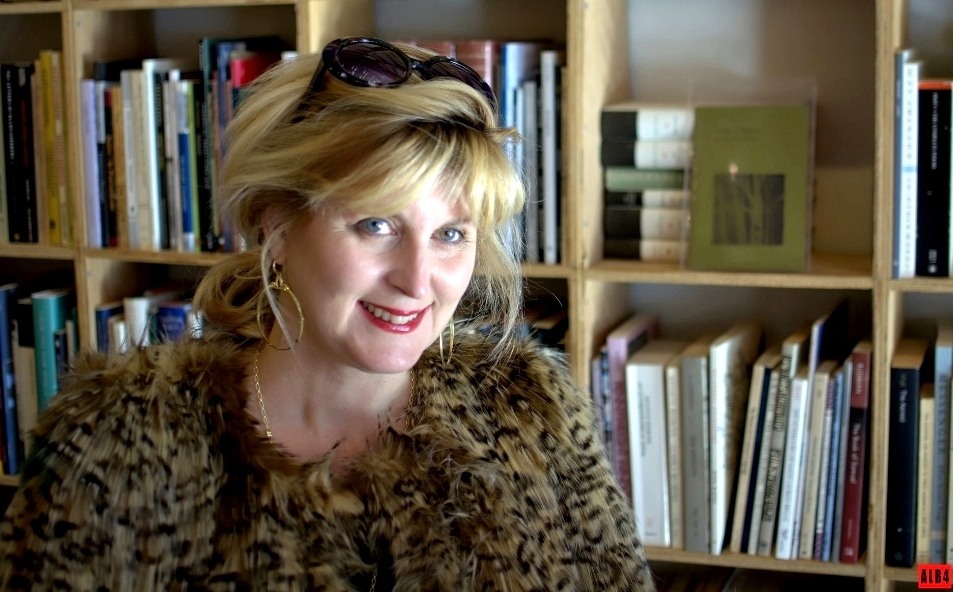 CONCEPT, STORY, STYLING  As the creator and author of Style Maniac, Doreen Creede draws on decades of experience as a decorator, stylist, writer, teacher and lifestyle consultant to share simple ways to live each day with style and joy.  In all her projects -- whether for blog, brands or businesses -- her intention is always this: to make your life happier and more beautiful.